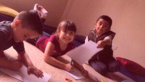 La terapia grupal para niños, potencia habilidades emocionales