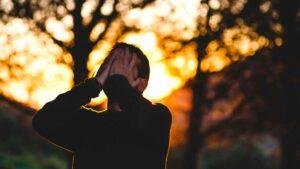 Fobia social, ¿qué es?, síntomas, tratamiento y 7 recomendaciones