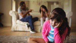 Qué son y cuáles son los padres tóxicos, 17 características